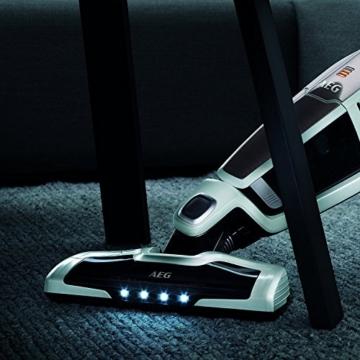 AEG CX7-45ANI 2in1 Akku-Handstaubsauger inkl. Zusätzlicher Elektrosaugbürste für das Handteil (beutellos, Lithium HD-Power-Akku, 45 Min. Laufzeit, Elektrobürste, 4 LED-Frontlichter) weiß -